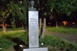 Градинката на Котков вече грее с осветление (СНИМКИ)