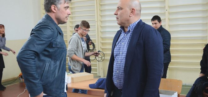 """Владо Карамазов журира """"Красотата на Надежда през моите очи"""""""