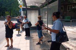 Пореден случай на агресия в градския транспорт: Изхвърлиха от рейса майки с колички! (СНИМКИ)